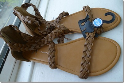 leather colour zip up sandal