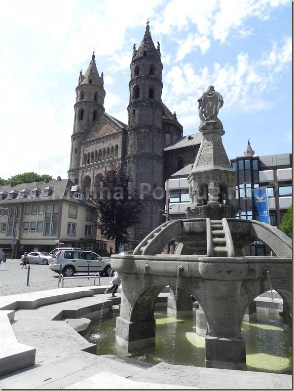 A Catedral de Worms e a Fonte de Siegfried