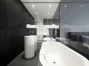 baño-moderno-hotel-graffit-studio-mode