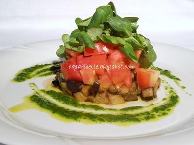 lcdr melanzane calde, pomodori freschi e soncino croccante, contornati da un frullato di rucola
