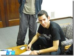 Andrés Salvático al momento de la firma del contrato