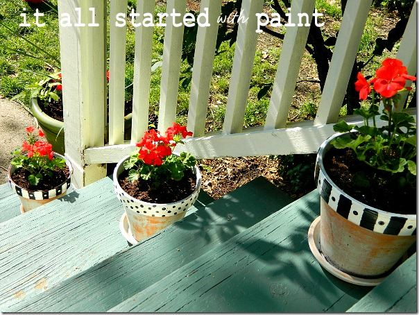 polka_dot_painted_pots_on_porch_steps
