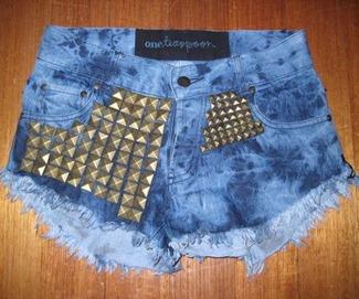 shorts-tachas