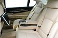 2013-BMW-7-Series-84