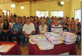 Unos 100 vecinos de La Costa firmaron las escrituras sociales en Costa del Este