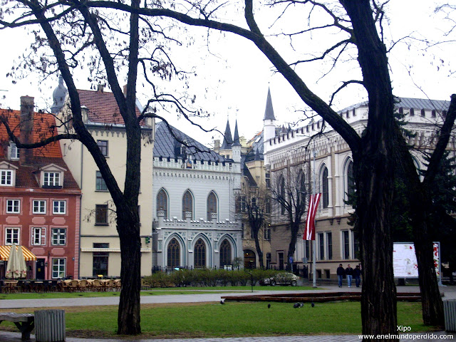 plaza-casco-antiguo-de-riga.JPG