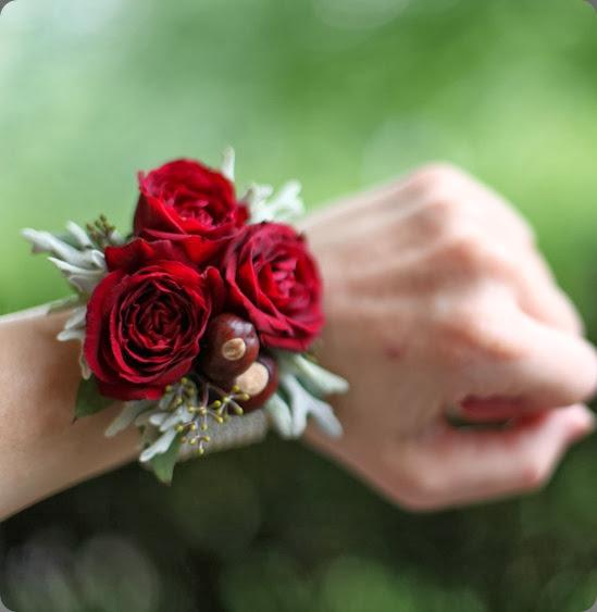 wrist corsage 201307270608 floral verde
