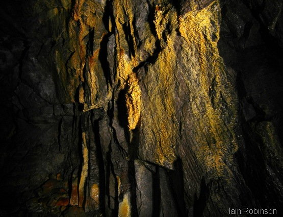 Sulphur rim formations (1280x960)