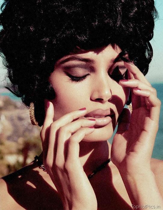 Freida Pinto Sexy 2012 Pics from Magazine 7