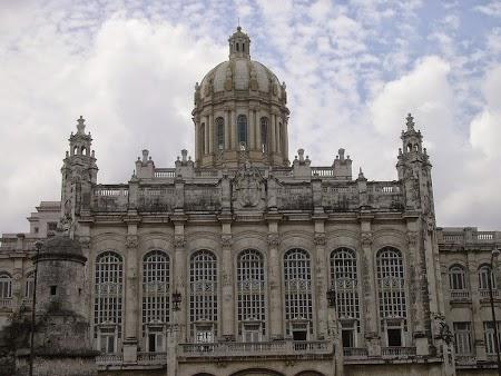 07. Muzeul Revolutiei - Cuba.jpg
