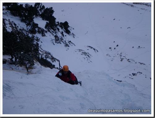 Cascada Mamporros para todos 100m WI4 ,III 90º (Aigualluts, Benasque, Pirineos) (Isra) 3242