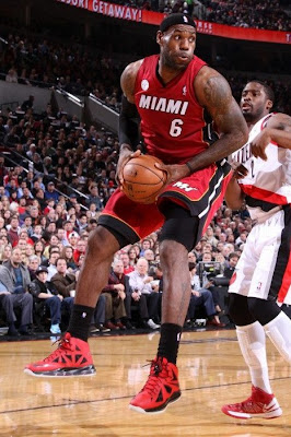 lebron james nba 130110 mia at por 02 King James Debuts LBJ X Portland PE But Ends Scoring Streak