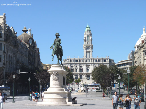 ayuntamiento-de-oporto-y-avenida-de-aliados.JPG