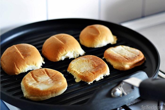 slider buns grill