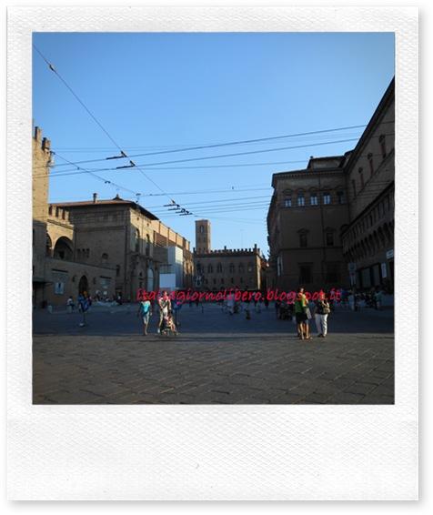IGL Bologna centro, piazza del Nettuno