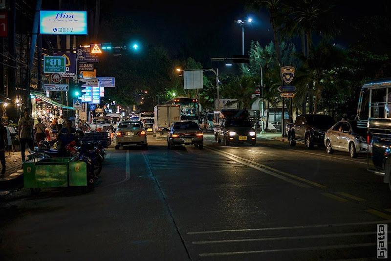 2557_Thailand_Pattaya_Jomtien_transport_tuk_tuk_tuck_tuck_taxi-3