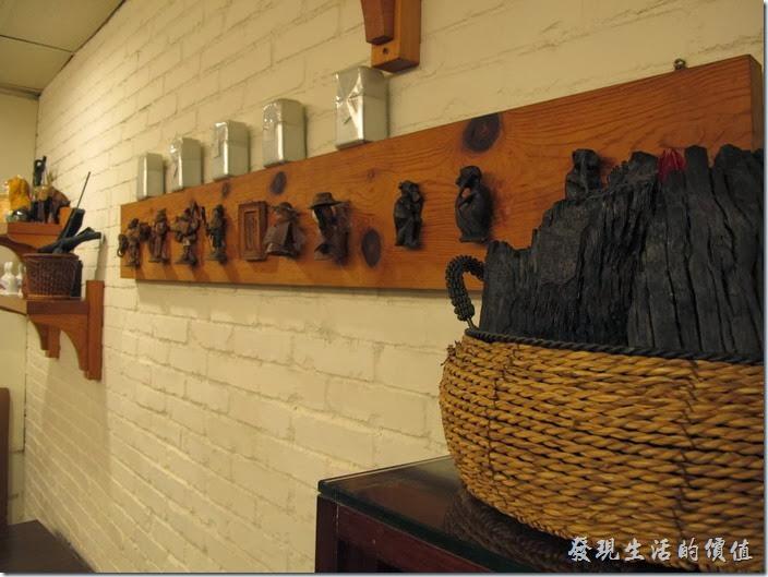 台南-碧蘿春炭索餐坊。店內的裝潢稍微有點老舊,但還是很有氣氛。