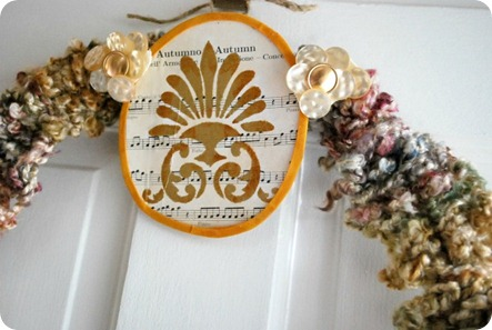 vintage_knitted_fall_wreath