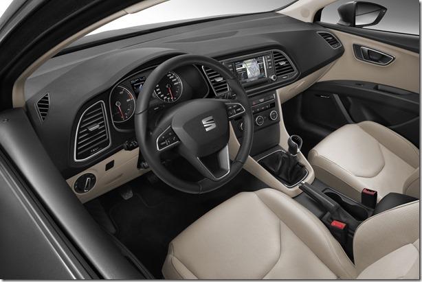 New-Seat-Leon-ST11[2]