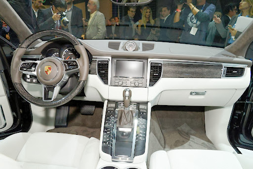 Porsche-Macan-21.jpg