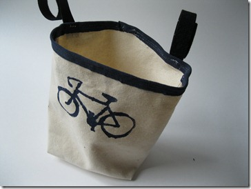 bike or car tote with french seams and freezer paper stencil of bike (5)