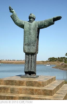 'Father Lopez Statue' photo (c) 2010, Cliff - license: http://creativecommons.org/licenses/by/2.0/