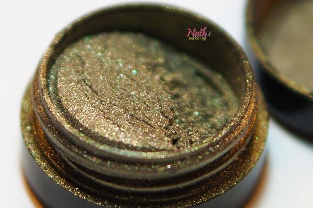 pigmento esverdeado