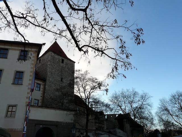 "Taken at Latitude/Longitude:50.091694/14.405749. 0.45 km North Mal?Strana Hlavn?Mesto Praha Czech Republic <a href=""http://www.geonames.org/maps/google_50.091694_14.405749.html""> (Map link)</a>"