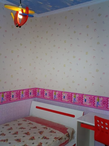 harga wallpaper dinding kamar per meter