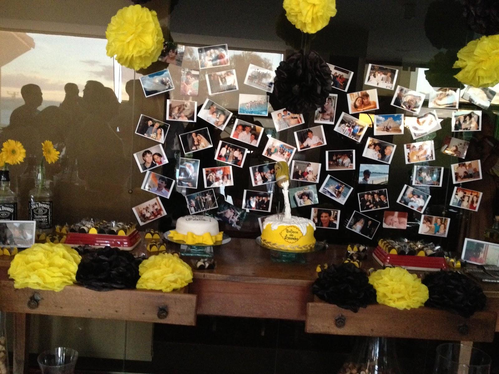 decoracao de mesa boteco : decoracao de mesa boteco: com rolhas mural de fotos e um lindo bolo com formato de cerveja