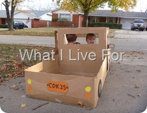Pick up truck from a cardboard box (whatilivefor.net)