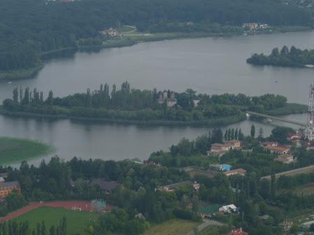 Aventura Card, avion usor: manastirea Snagov