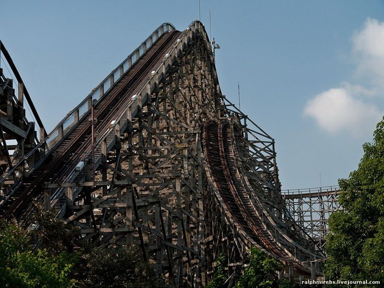 wooden-rollercoaster-13