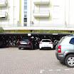 Vista dell\'ampio parcheggio interno
