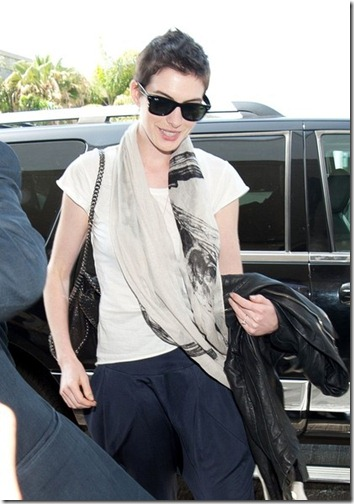 Anne Hathaway Anne Hathaway Adam Shulman Arrive GiPsseddntvl