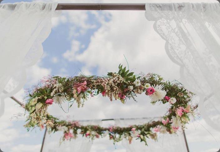 halo ceremony halo 6261_596438593701030_926433424_n Jonas Petersen Photography and mondo floral designs
