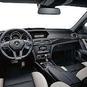 2013-Mercedes-C-Class-UK-8.jpg