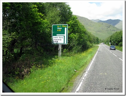 Sign's now in Scottish Gaelic and English copying the Welsh.