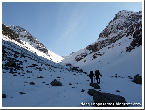 Arista NO y Descenso Cara Oeste con esquís (Pico de Arriel 2822m, Arremoulit, Pirineos) (Omar) 0741