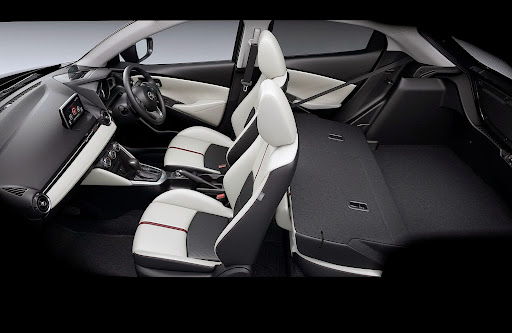 2015-Mazda2-Demio-36.jpg