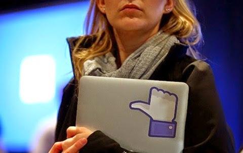 Facebook provoca problemas de confianza en las mujeres