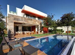 Fachada-de-marmol-casa-contemporanea