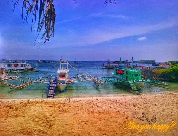 Boat Station in Boracay.jpg