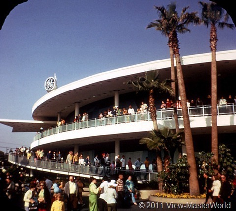 View-Master Tomorrowland (A179), Scene 3-4: G.E. Carousel of Progress