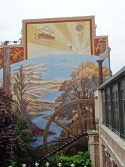 2014.07.20-056 fresque de la maison de Jules Verne