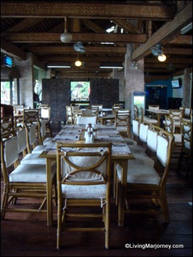 Hotel's Restaurant and Cogon Bar