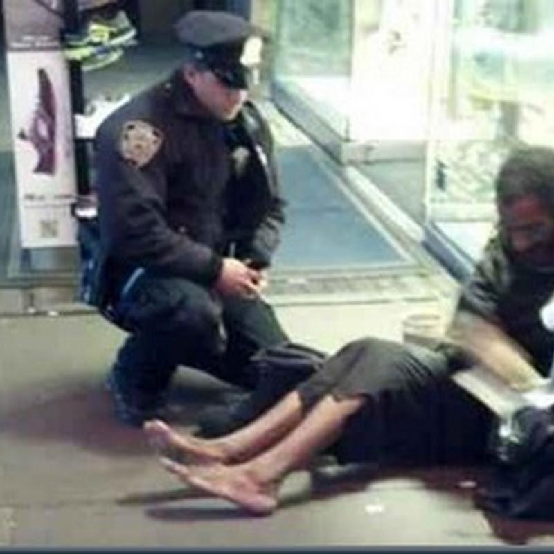 A Compaixão de Um Policial Americano para com um Morador de Rua