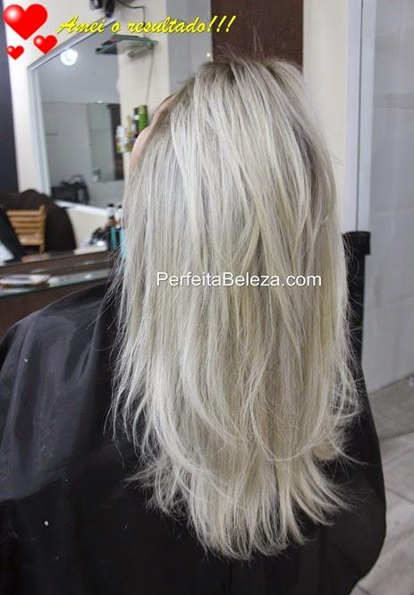 cabelo platinado com a raiz esfumada