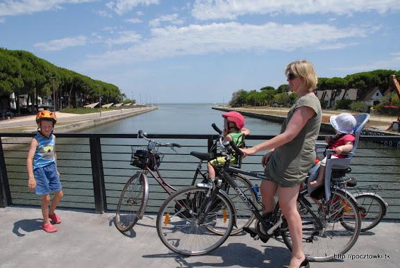 Na moście między Lido di Spina a Lido Degli Estensi