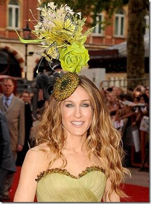 Outrageous_Celebrity_Hats_05